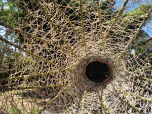 Antonella De Nisco, Binocolo, 2016, aste in bambù, midollino e cordame vegetale, particolare 2